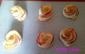 Tartes aux pommes en forme de rose